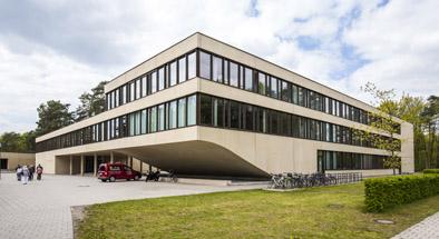 Hörsaalgebäude auf dem Campus Königs Wusterhausen